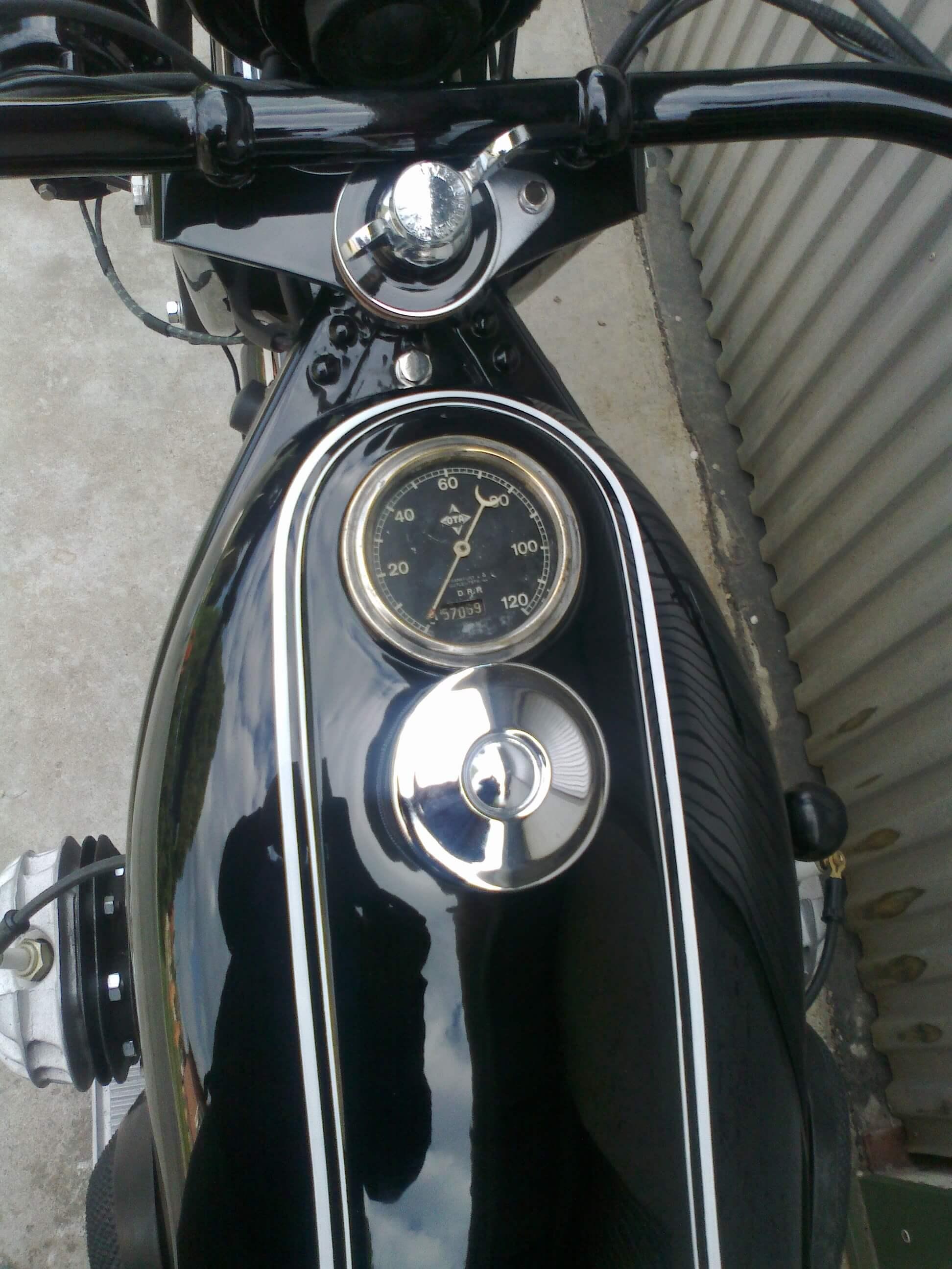 BMW R11 restored